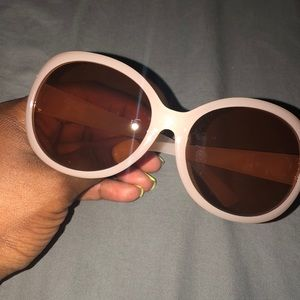 New. Light Peach SUNNIES